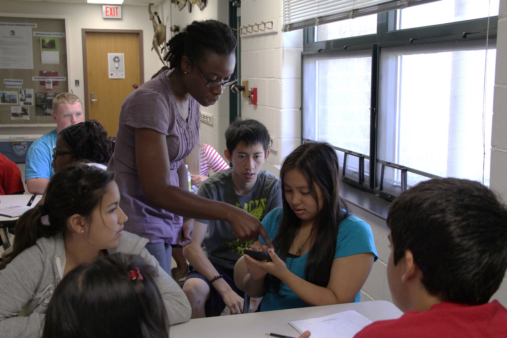 smart phones classroom friends or foes Cell phones: friends or foes posted by: noah '16 january 29, 2016  while teachers often don't allow cell phone usage because phones can be a distraction in the classroom, some teachers tolerate using a cell phone as a calculator, camera or music player when working alone.