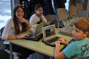 Students collaborating using Google Drive. Photo: Charlotta Wasteson, CC BY 2.0
